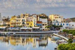 Agios Nikolaos miasteczko przy lata popołudniem Obraz Royalty Free