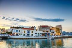 Agios Nikolaos miasteczko przy lato wieczór Agios Nikolaos jest jeden turystyczny Obrazy Stock