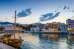 Agios Nikolaos miasteczko przy lato wieczór Agios Nikolaos jest jeden turystyczny Obraz Stock