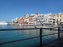 Agios Nikolaos-One das cidades o mais altamente desenvolvidas do turista em Grécia, Creta imagem de stock royalty free
