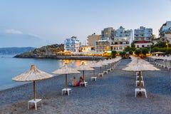 Agios Nikolaos plaża, Grecka wyspa Crete Ja jest popularnym plażą wewnątrz Obraz Royalty Free