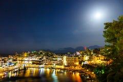 Agios Nikolaos przy lato wieczór, Grecja Zdjęcia Royalty Free
