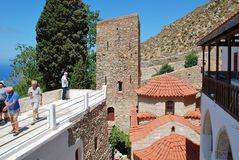 Agios Panteleimon kloster på Tilos royaltyfri foto