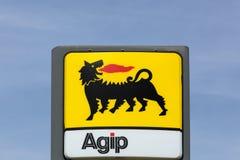 AGIP logo na benzynowej staci Obrazy Royalty Free