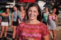 AGirls adolescente que ríe nerviosamente Imagen de archivo libre de regalías