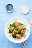 A agitação da galinha e dos brócolis de Teriyaki frita com arroz Fotografia de Stock Royalty Free