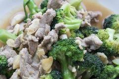 A agitação do alimento fritou o conceito asiático vegetal dos brócolis da carne de porco da carne Fotografia de Stock Royalty Free