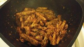 Agitação do vegetariano fritada & x22; strips& x22 da galinha; refeição do vegetariano Fotos de Stock Royalty Free