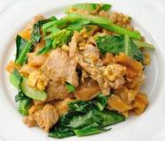 Agitação Fried Rice Noodle com carne de porco foto de stock