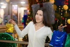 Agitação louca da compra antes do Natal Imagens de Stock Royalty Free