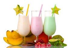 Agitações de leite com frutas fotografia de stock