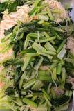 Agitación Fried Chinese Noodles Style con col rizada Fotografía de archivo