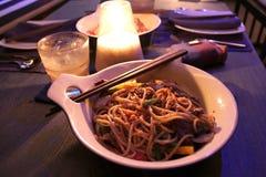 Agitación Fried Sea Food de los espaguetis imagen de archivo