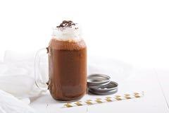 Agitação de leite do café do chocolate com chantiliy Fotos de Stock Royalty Free