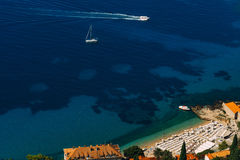 Żaglówka blisko starego miasteczka Dubrovnik Zdjęcia Stock