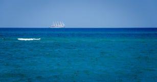 Żaglówka dryftowego morza Śródziemnego połowów tuńczyka morski netto Zdjęcia Royalty Free
