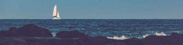 Żaglówka na Atlantyckim oceanie Fotografia Royalty Free