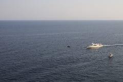 Żaglówka na Czarnym morzu crimea Yalta Fotografia Stock