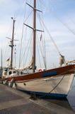 Żaglówka przy dokiem Obrazy Royalty Free