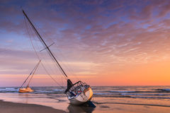 Żaglówka Shipwrecked Plażowi Zewnętrzni banki Pólnocna Karolina Fotografia Royalty Free