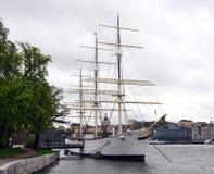 Żaglówka w schronieniu, Sztokholm, Szwecja, Scandinavia, Europa Obraz Royalty Free
