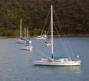Żaglówki Cumowali Z wyspy w Karaiby Obrazy Royalty Free