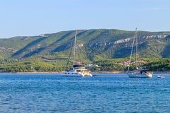 Żaglówki na Adriatic błękita morzu Obraz Stock