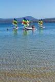 Żaglówki na krysztale - jasna błękitne wody Fotografia Royalty Free