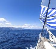 Żaglówki podczas biegowego regatta morze Żeglowanie, luksusowi jachty Obraz Royalty Free