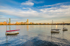 Żaglówki w Charles rzece w Cambridge, Massachusetts Fotografia Stock