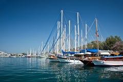 Żaglówki w schronieniu Kos, Dodecanese wyspa Zdjęcia Royalty Free