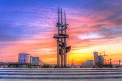 Żagle pomnikowi na morze bałtyckie kwadracie przy zmierzchem Zdjęcia Stock