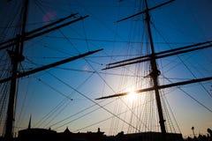 żagli statku sylwetki zmierzch Obrazy Royalty Free