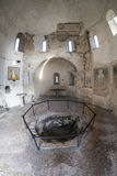 Agliate Brianza意大利:历史的教会,洗礼池 库存图片