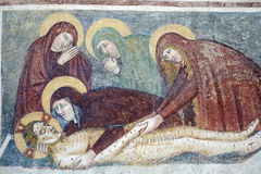 Agliate Brianza意大利:历史的教会,洗礼池 免版税库存照片