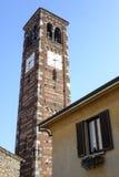 Agliate Brianza Italien: historisk kyrka Arkivfoto