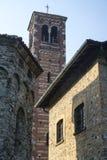 Agliate Brianza Italien: historisk kyrka Arkivbild