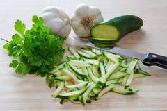 Aglio e prezzemolo del briciolo dello zucchini Fotografie Stock Libere da Diritti