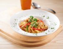 Aglio-Olio-Spaghettis Stockfotos