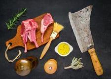 Agneau Rib Chops avec des ingrédients image stock