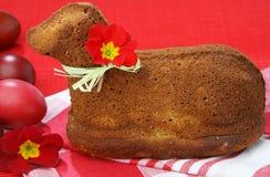 Agnelez le gâteau Image libre de droits