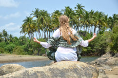 Agonda plaża ah bizhyuteriya goa ind indyjski pobliski morze handluje kobiety obrazy royalty free