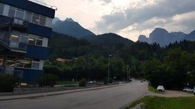 Agordo BL, Italia, el 1 de agosto de 2018, la instalación italiana principal de Luxottica metrajes