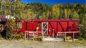 29 agosto 2016 - Auto-casa rossa della ferrovia, Kantishna, Alaska, MNT Sosta nazionale di Denali, Alaska Stati Uniti Fotografia Stock