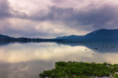 21 agosto 2014 - costa del lago Phewa in Pokhara, Nepal Fotografia Stock