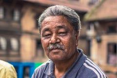 18 agosto 2014 - uomo anziano a Kathmandu, Nepal Fotografie Stock Libere da Diritti