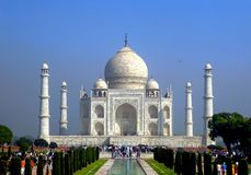 Agra, Índia, o 15 de outubro de 2017 - mausoléu de Taj Mahal estado em Agra, Uttar Pradesh, Índia do norte, local do patrimônio m fotos de stock royalty free