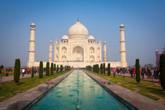AGRA, INDIA - 10 JANUARI: Taj Mahal Mousoleum in Agra op 10 Januari, Stock Foto