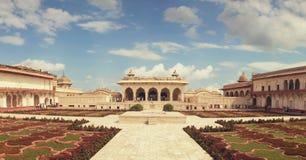 Agra, India, Listopad 18, 2011: Czerwony fort Unesco światowego dziedzictwa miejsce Obraz Stock