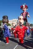 AGRADÁVEL, FRANÇA - 22 DE FEVEREIRO: Carnaval de agradável em Riviera francês O tema para 2015 era rei da música Agradável, Franç Foto de Stock Royalty Free